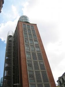 Edificio FNAC en Callao